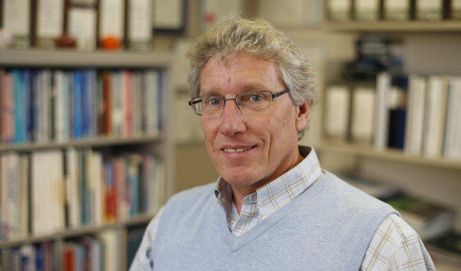 Professor Mark Tremblay Receives Vic Neufeld Mentorship Award in Global Health Research