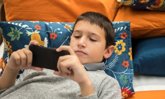 Limiting Children's Recreational Screen Time to Less Than Two Hours a Day Linked to Better Cognition